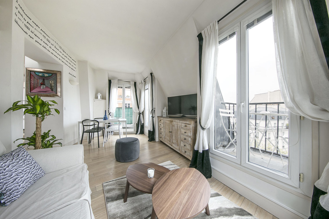 Location appartement meubl boulevard voltaire paris for Meuble a louer paris