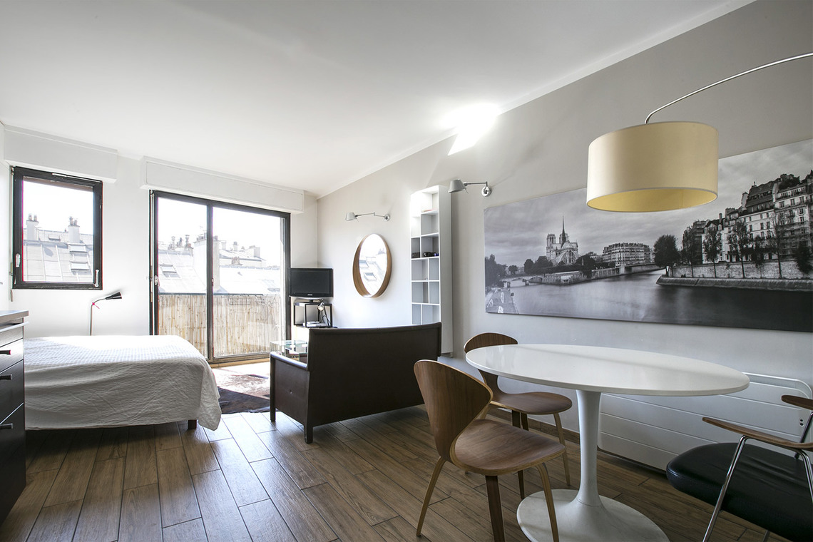 Apartment Paris Rue Jean Nicot 2