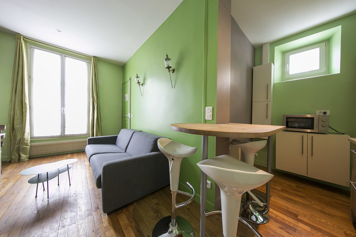 Location appartement meubl rue la bo tie paris ref 14740 for Salon cuisine paris