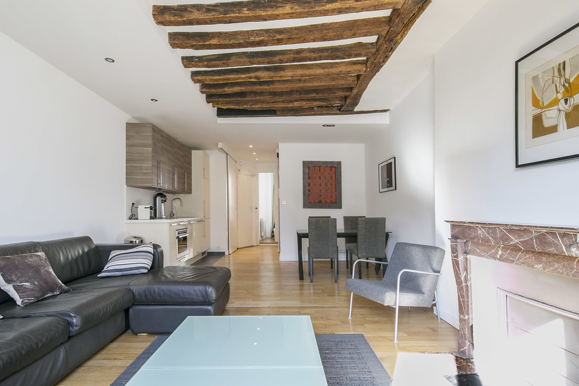 Apartment Paris Rue Saint Antoine 4