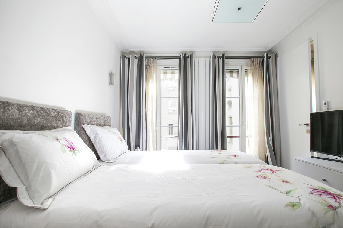 Apartment Paris Rue des Pyramides 15