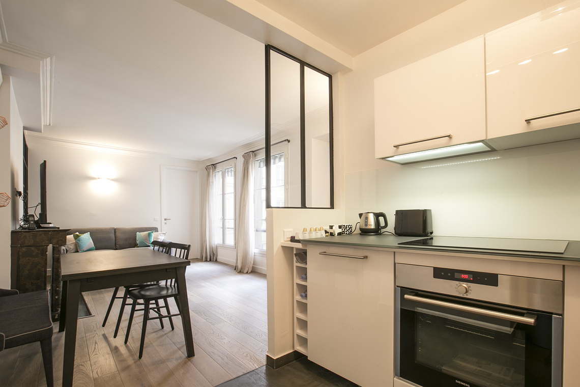 Apartment Paris Rue des Pyramides 7