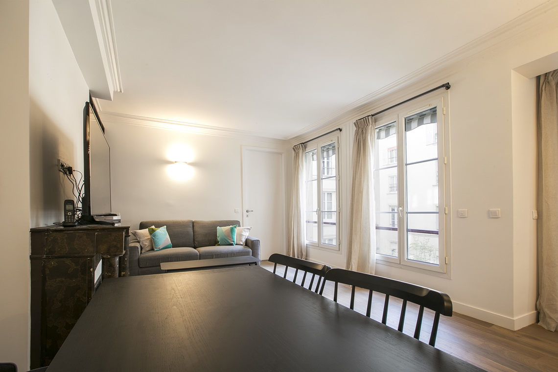 Apartment Paris Rue des Pyramides 3