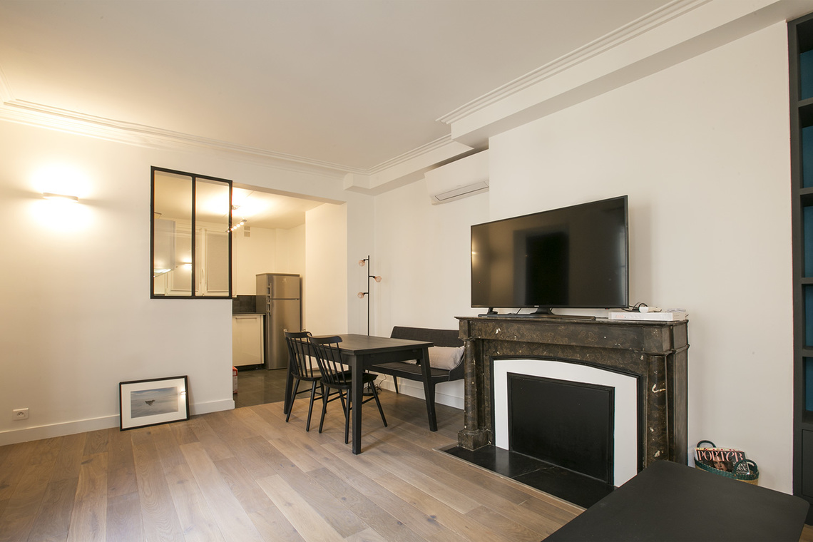 Apartment Paris Rue des Pyramides 4