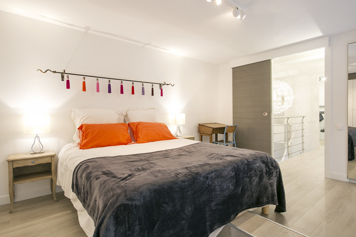 location appartement meubl boulevard flandrin paris ref 14827. Black Bedroom Furniture Sets. Home Design Ideas