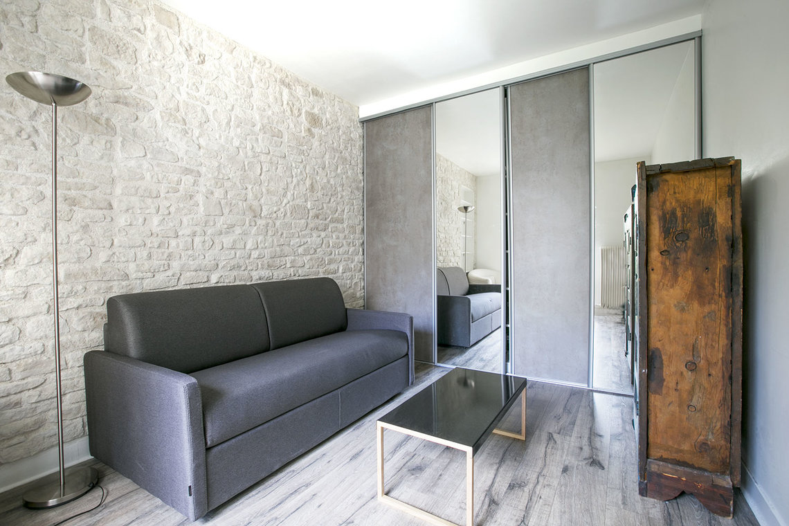 Furnished apartment for rent Paris Passage des Abbesses