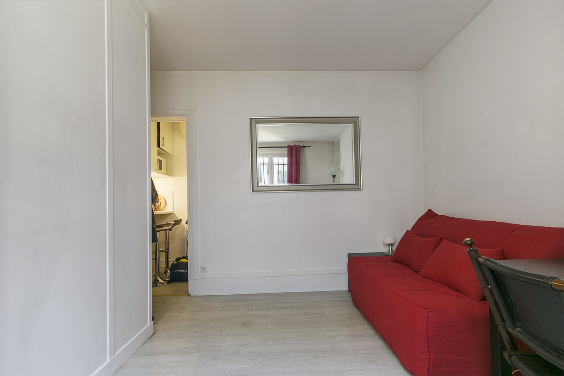 Apartment Paris Rue du Mont Cenis 3