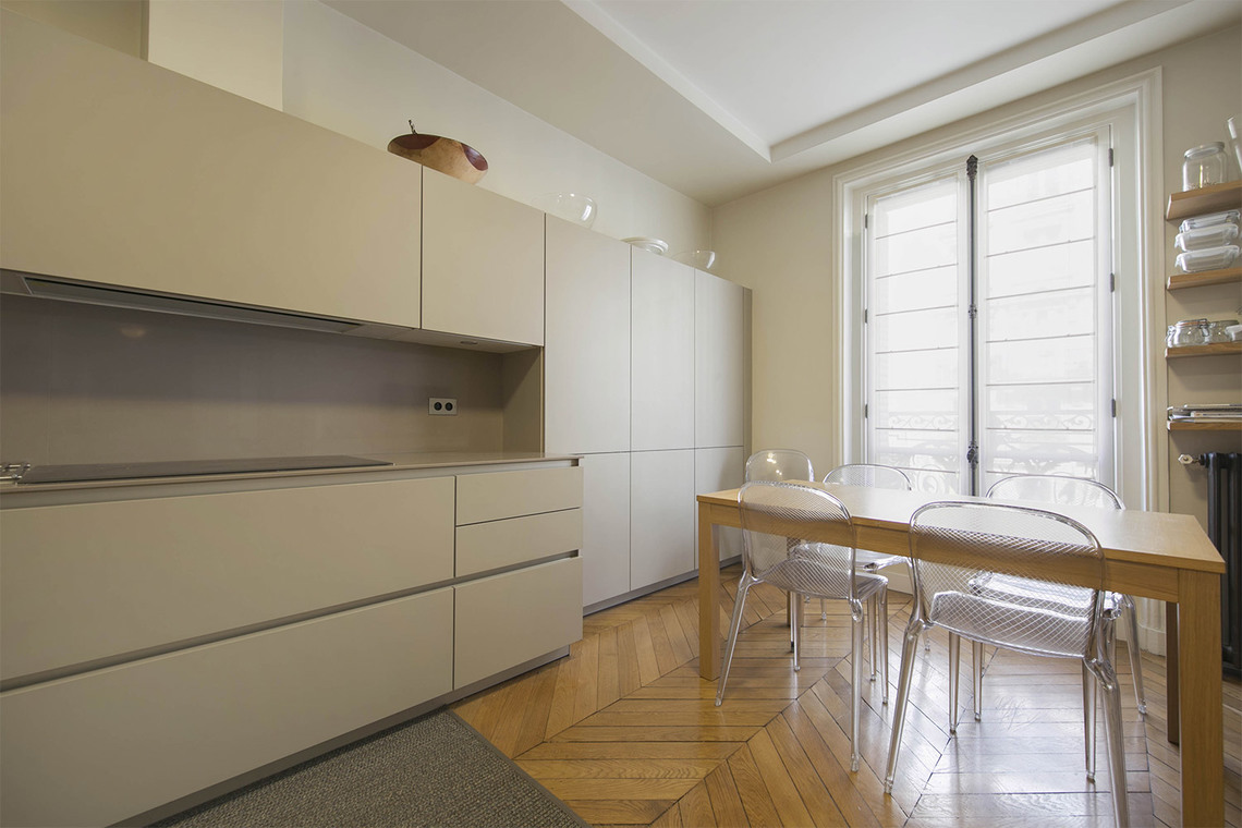 Location appartement meubl rue de rennes paris ref 14936 for Location appartement meuble rennes