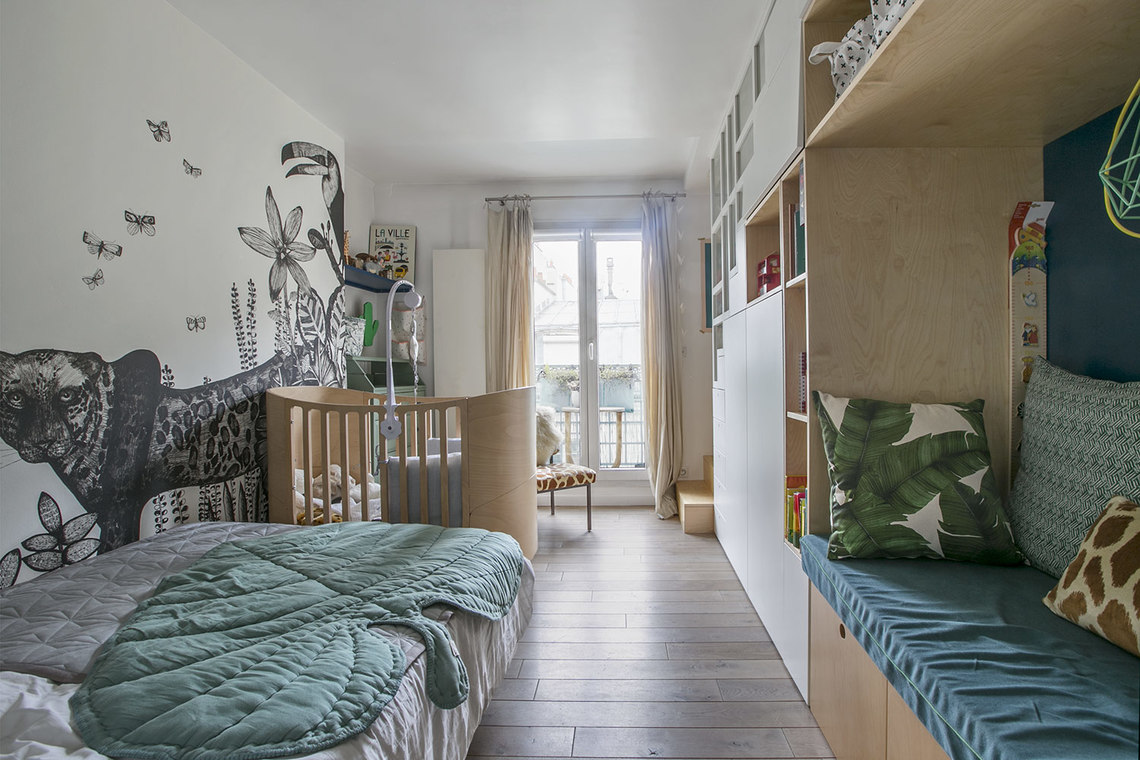 Apartment Paris Rue de Paradis 13