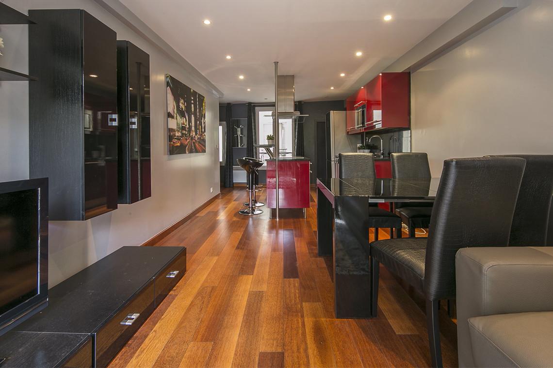 location appartement meubl rue du faubourg saint antoine paris ref 15087. Black Bedroom Furniture Sets. Home Design Ideas
