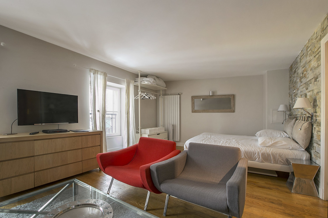 Apartment Paris Rue Godot de Mauroy 5