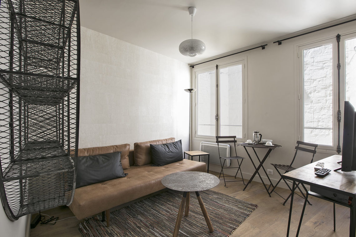 Paris Rue de Rivoli Apartment for rent