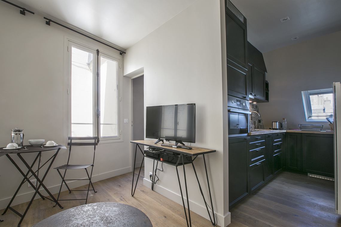 Apartment Paris Rue de Rivoli 4
