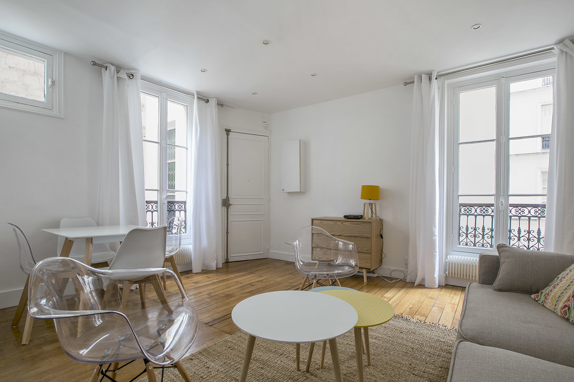 Квартира Paris Avenue Rapp 3