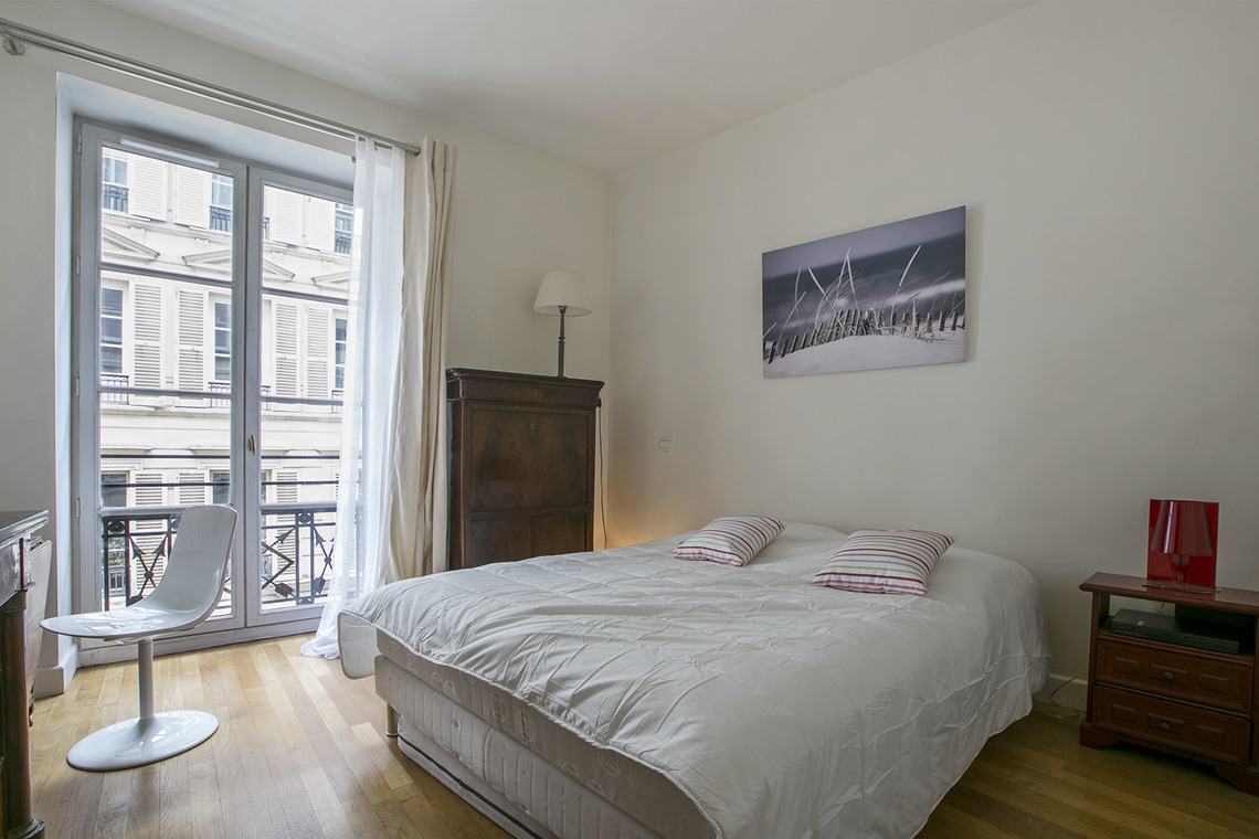 Apartment Paris Rue Godot de Mauroy 6