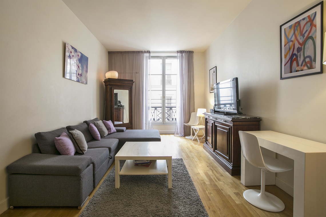 Paris Rue Godot de Mauroy Apartment for rent