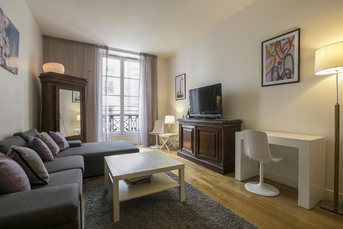Apartment Paris Rue Godot de Mauroy 2
