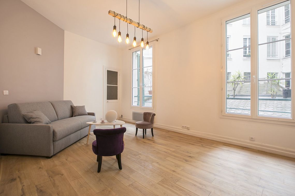 Apartment Paris Rue de Mulhouse 2