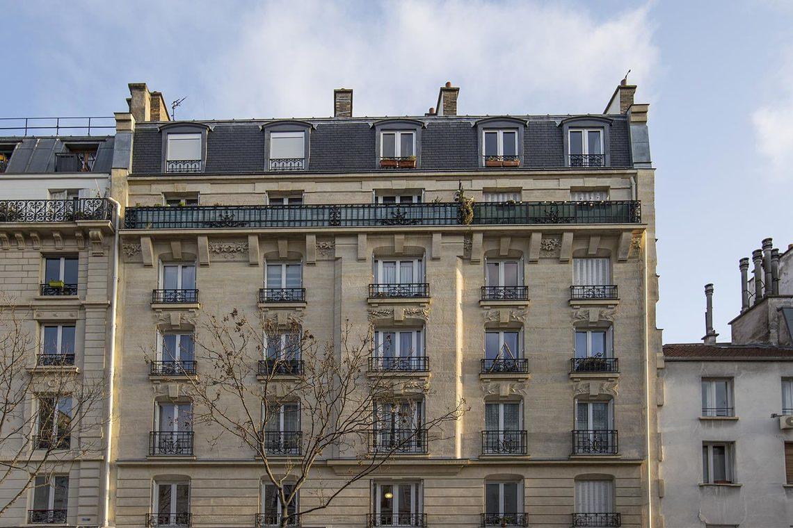 location appartement meubl rue du faubourg saint martin paris ref 15266. Black Bedroom Furniture Sets. Home Design Ideas
