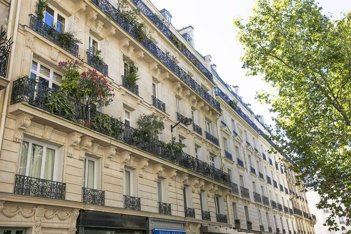 Apartment Paris Rue Coetlogon 17