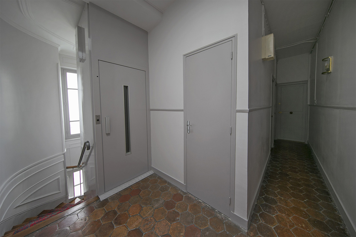 Apartment Paris Rue Coetlogon 14