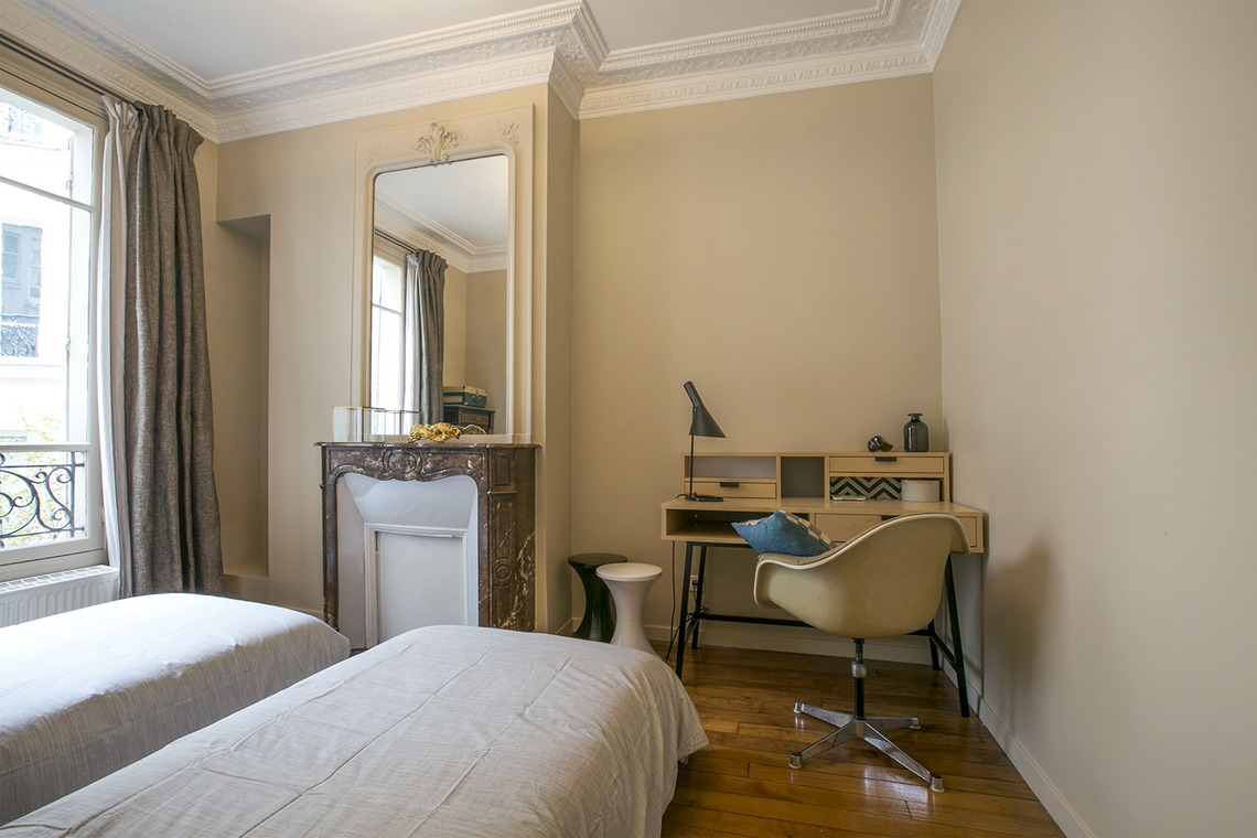 Apartment Paris Rue Rodier 18