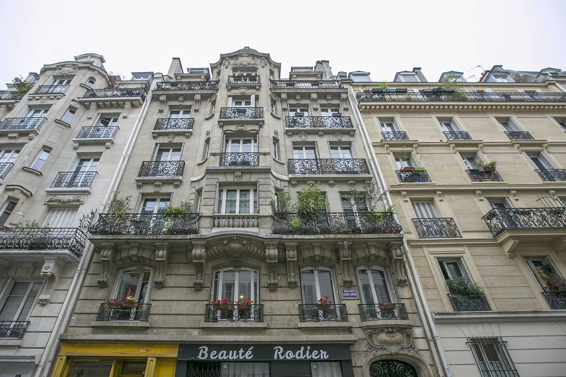 Apartment Paris Rue Rodier 20