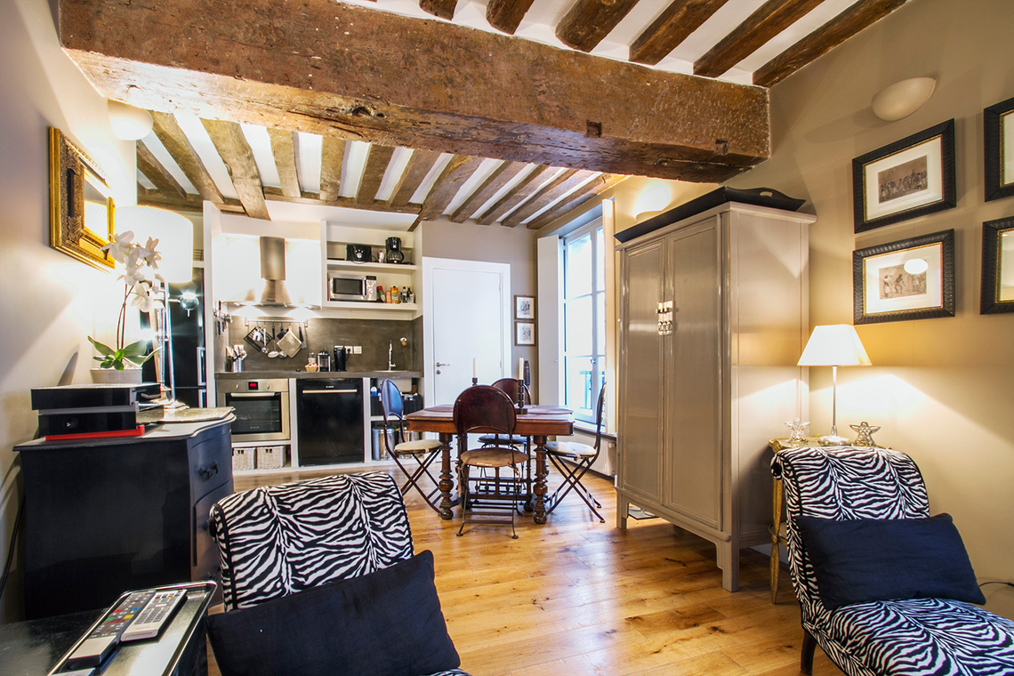 Location appartement meubl rue de lille paris ref 15383 for Salon cuisine paris