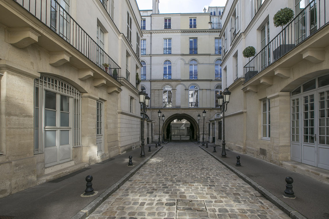 Apartment Paris Rue Duphot 12