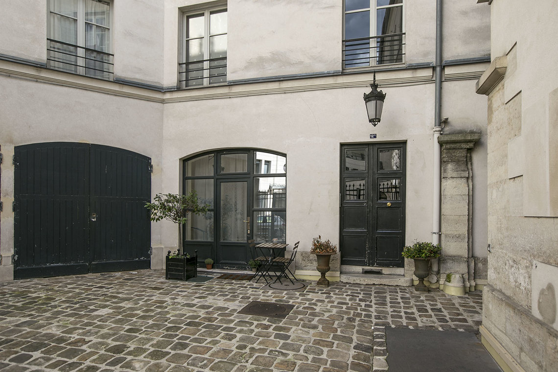 Apartment Paris Rue Duphot 11