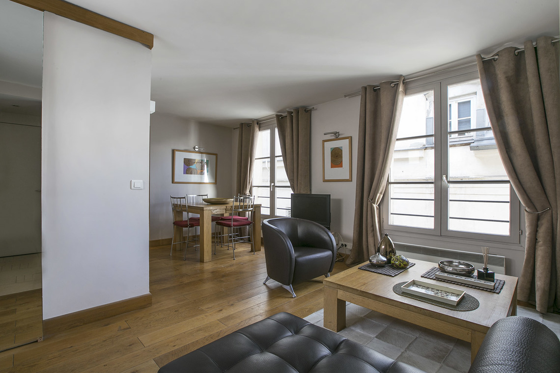 Apartment Paris Rue Duphot 2