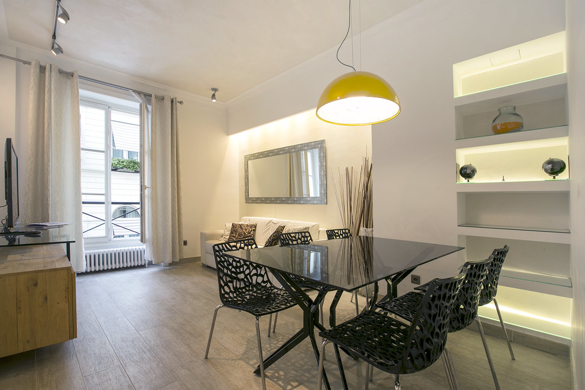 Furnished apartment for rent Paris Rue Sainte Hyacinthe