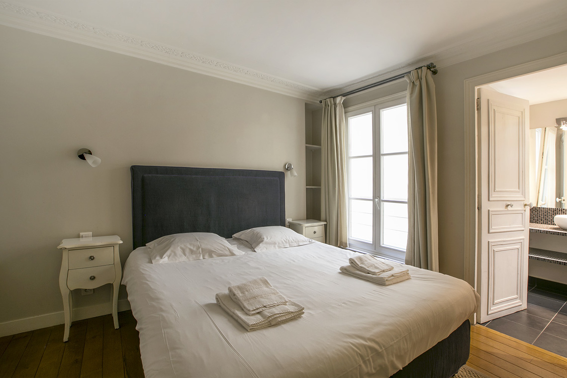 Apartment Paris Rue Saint Augustin 6