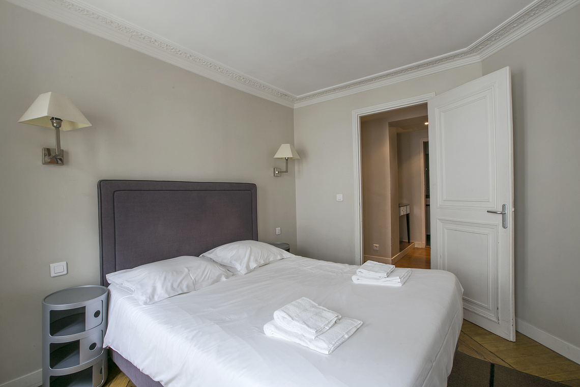 Apartment Paris Rue Saint Augustin 10
