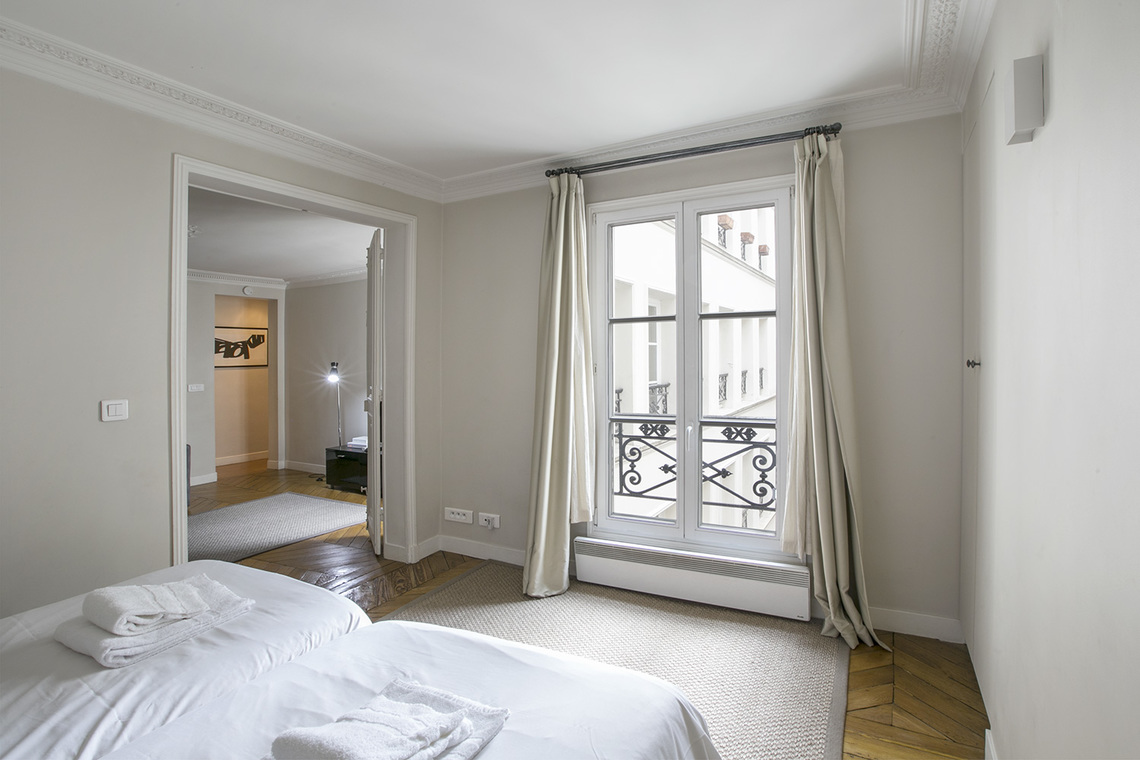 Apartment Paris Rue Saint Augustin 15