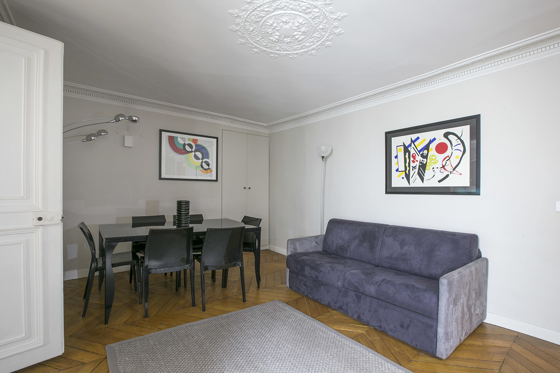 Paris Rue Saint Augustin Apartment for rent