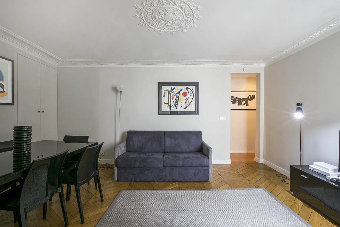 Apartment Paris Rue Saint Augustin 3
