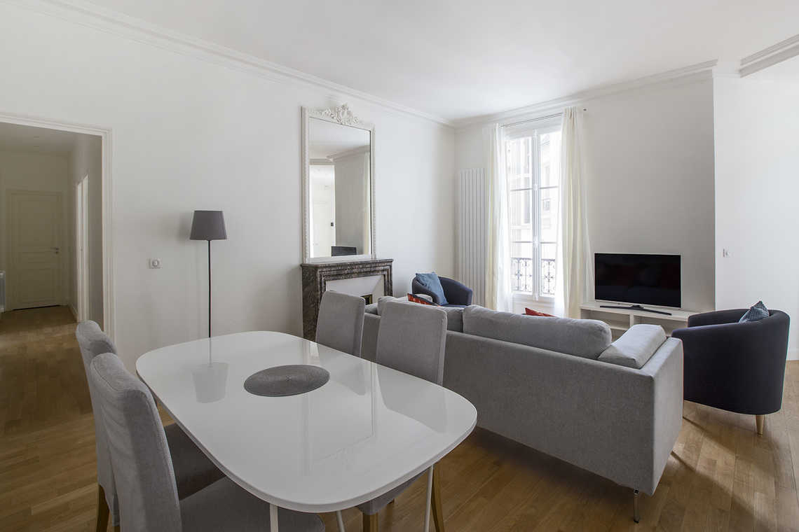Apartment Paris Rue de Rennes 3