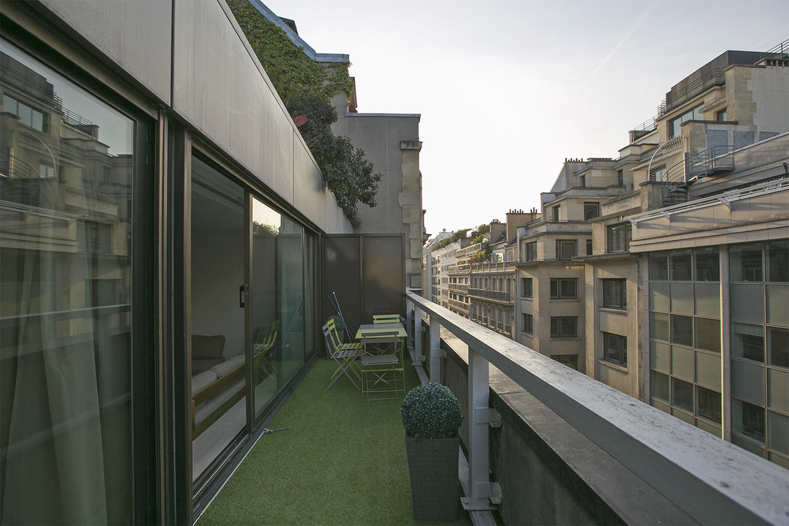 Apartment Paris Rue de Berri 15