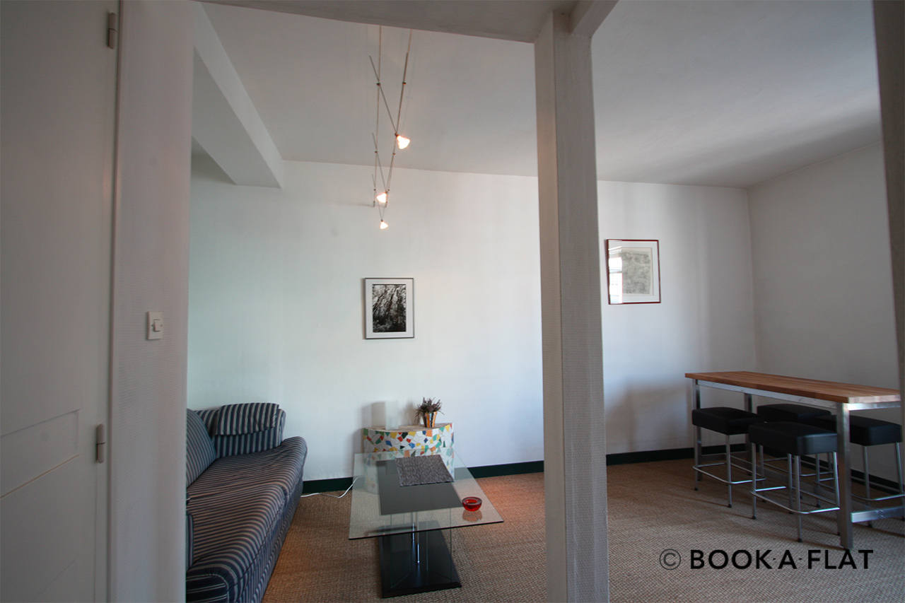 Paris Rue Cyrano de Bergerac Apartment for rent
