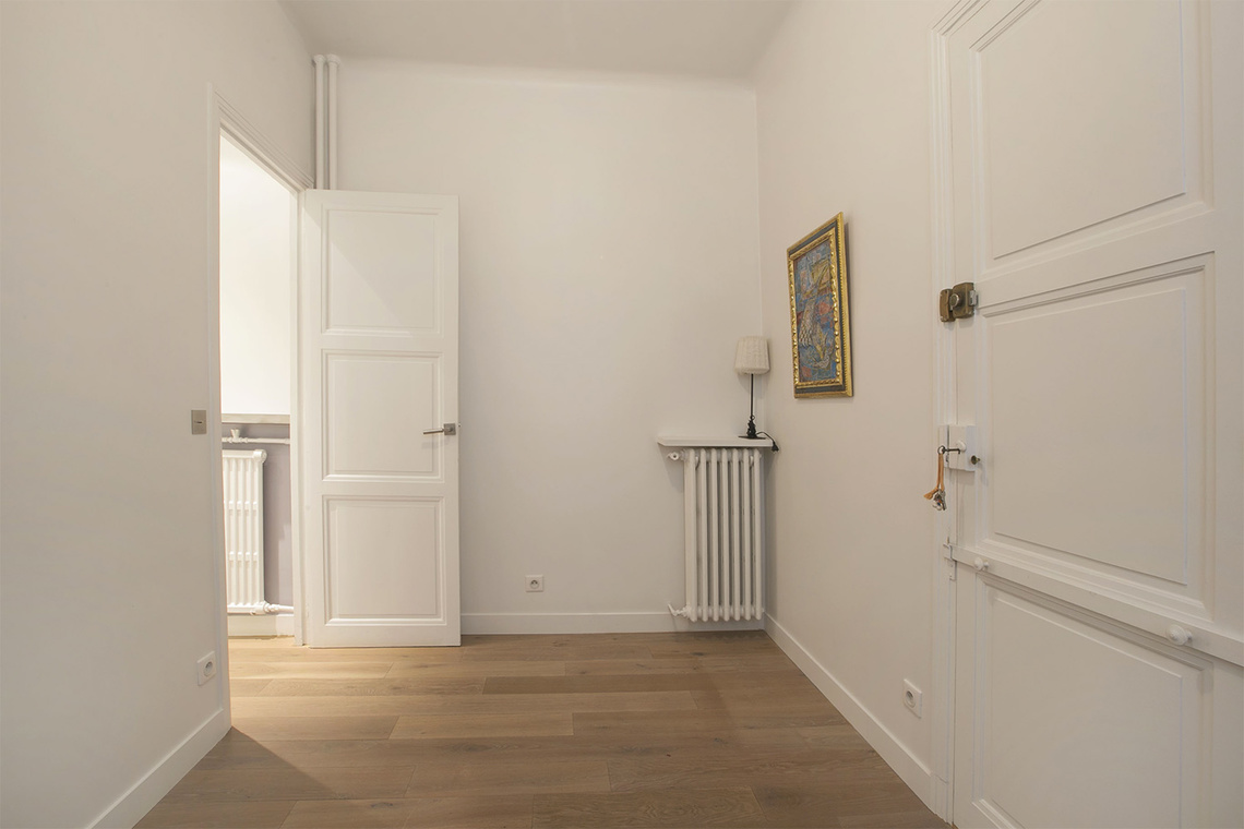 Apartment Paris Rue Barbet de Jouy 16