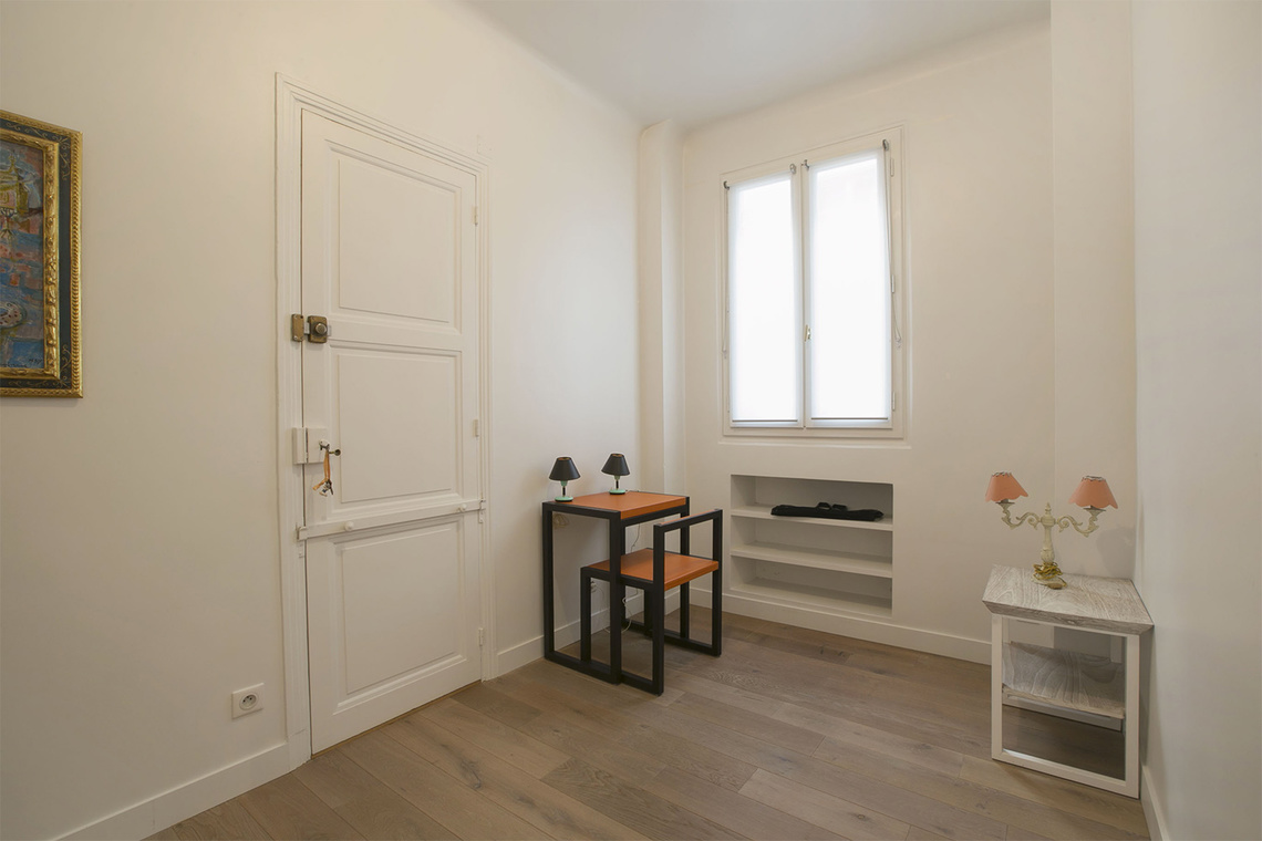 Apartment Paris Rue Barbet de Jouy 17
