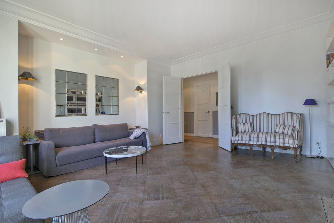 Apartment Paris Rue Barbet de Jouy 2