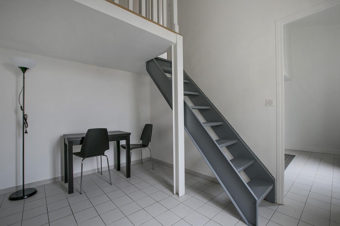 location appartement meubl rue de la forge royale lot 37 paris ref 15690. Black Bedroom Furniture Sets. Home Design Ideas