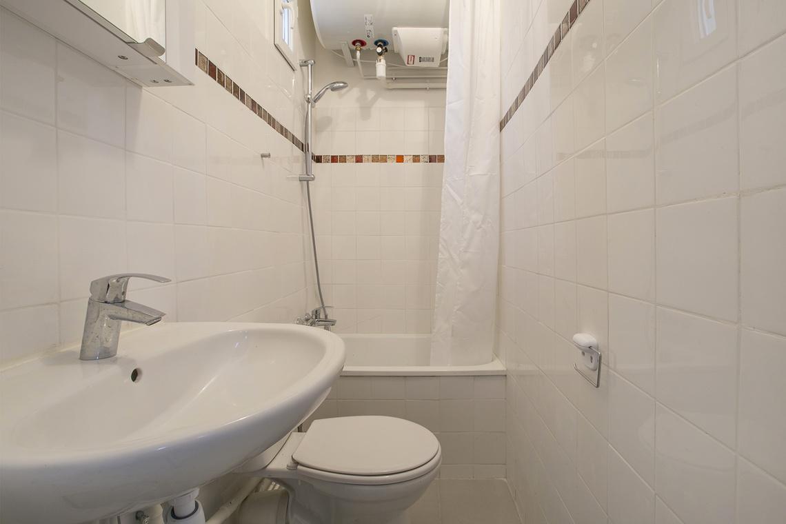 apartment for rent rue de la forge royale lot 37 paris ref 15690. Black Bedroom Furniture Sets. Home Design Ideas