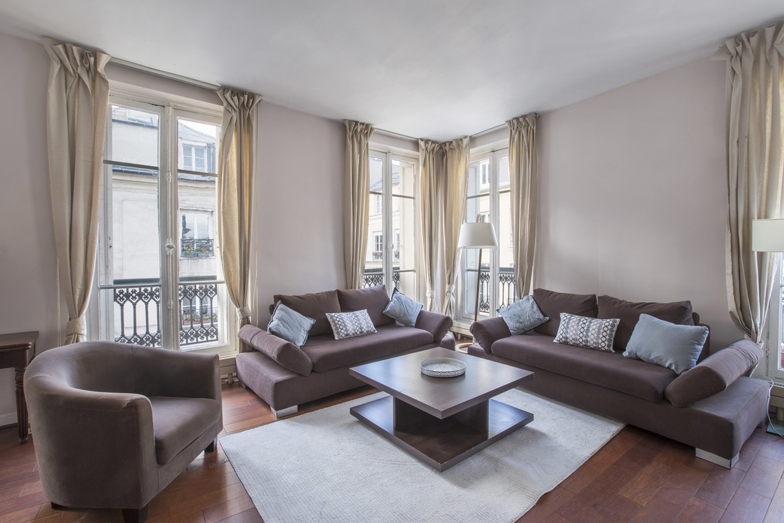 Paris Rue Bonaparte Apartment for rent