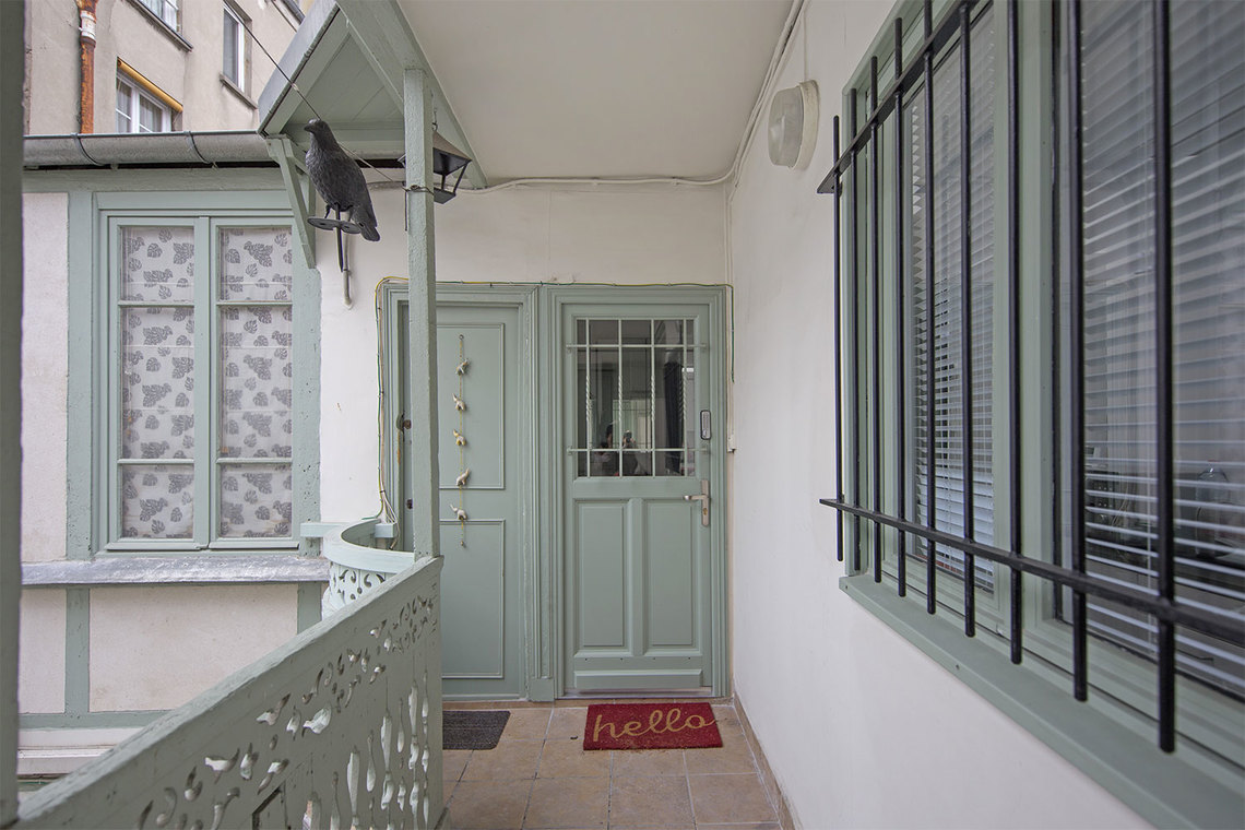 studio for rent rue berthe paris ref 15721. Black Bedroom Furniture Sets. Home Design Ideas