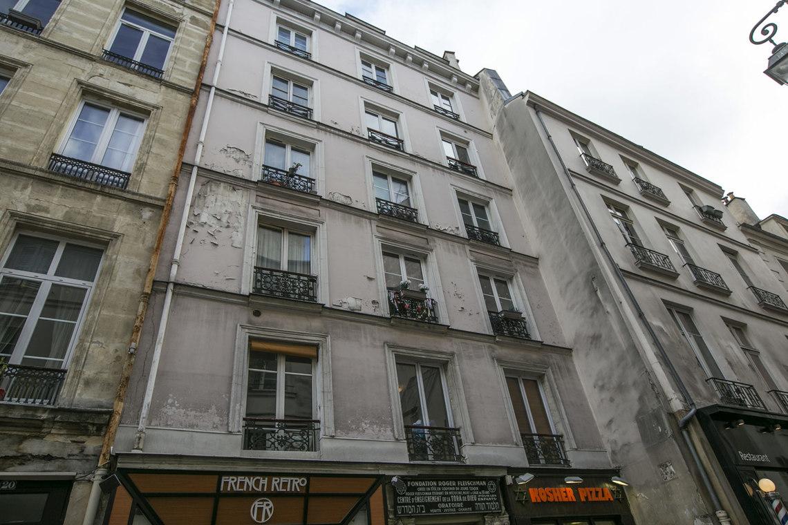 location studio meubl rue des ecouffes paris ref 15737. Black Bedroom Furniture Sets. Home Design Ideas
