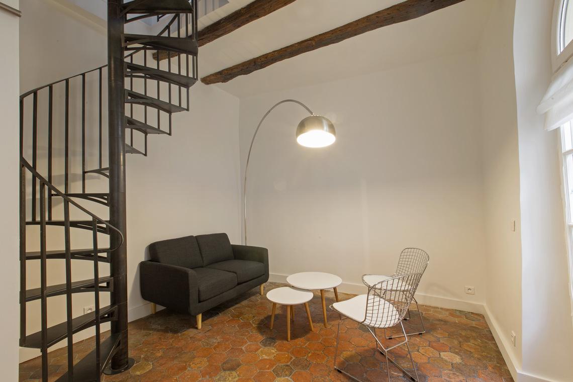 Location appartement meubl rue de la montagne sainte for Appartement meuble a paris