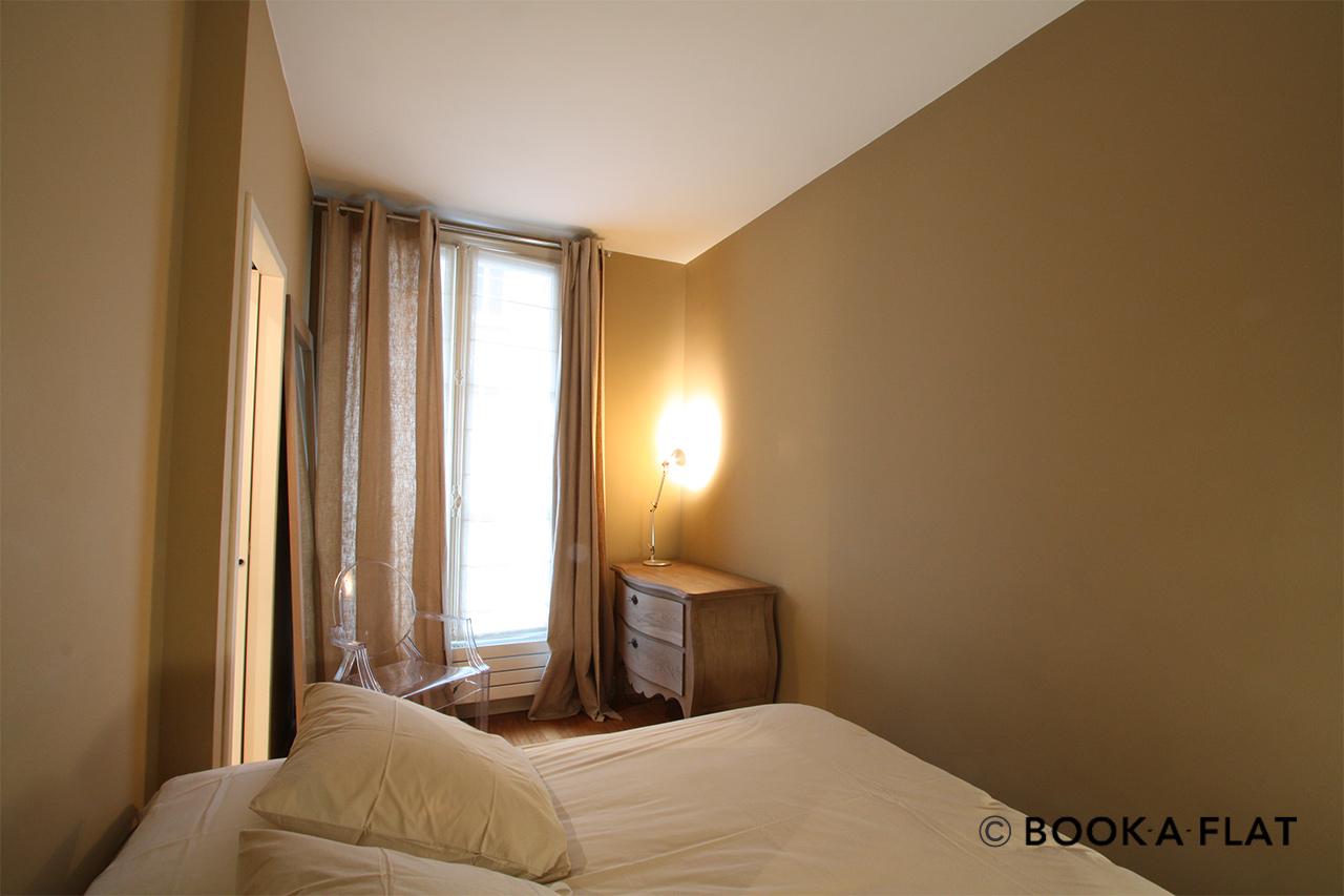 location appartement meubl rue notre dame des champs paris ref 1592. Black Bedroom Furniture Sets. Home Design Ideas
